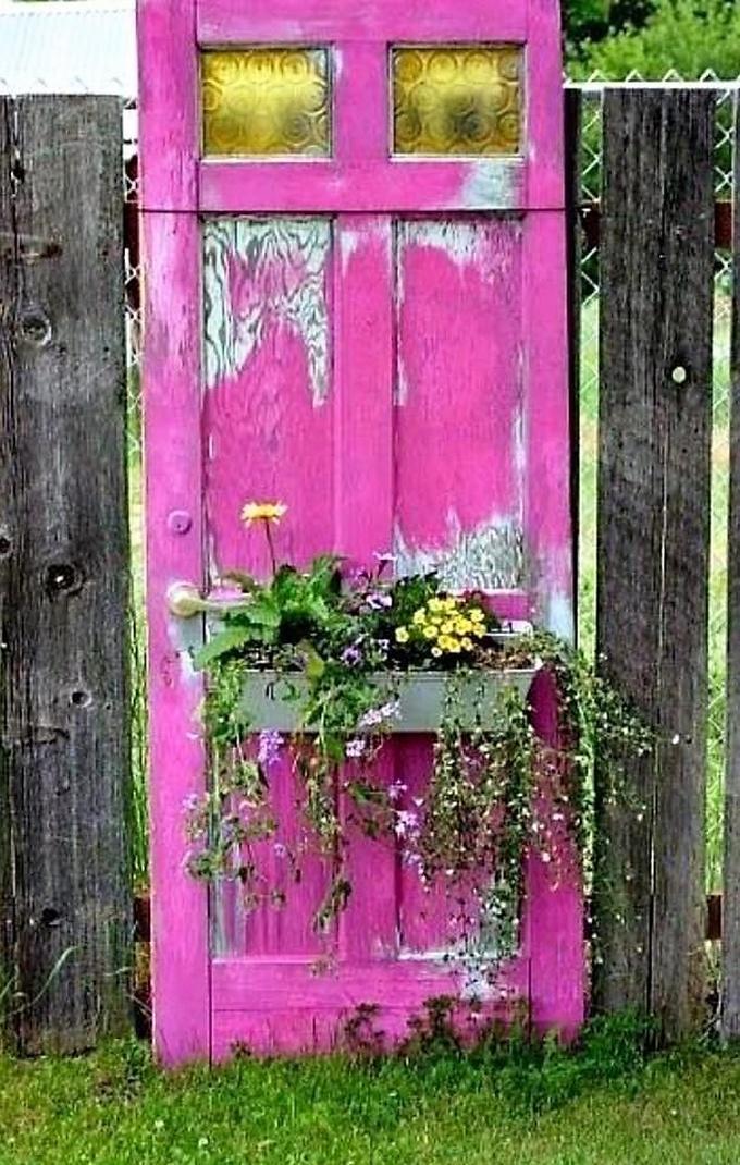 Garden Decor With Old Doors Diy Motive