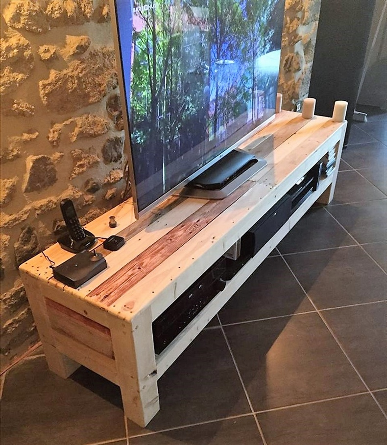 Eye Catching Ideas for Pallets TV Stands