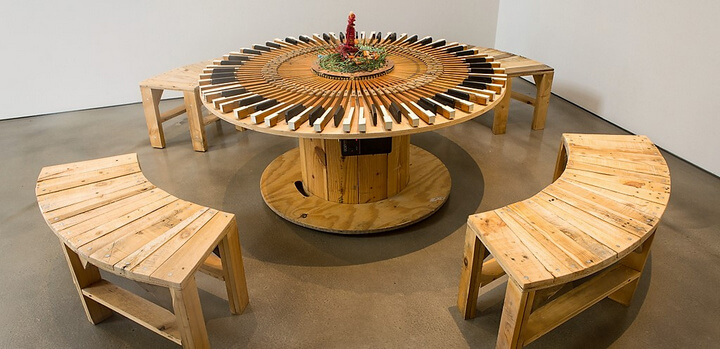 creative use of recycled pallet cable spools diy motive. Black Bedroom Furniture Sets. Home Design Ideas