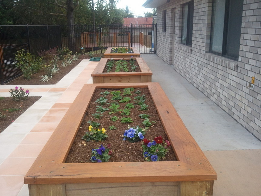 raised garden bed ideas 29