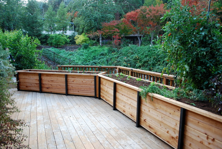 raised garden bed ideas 33