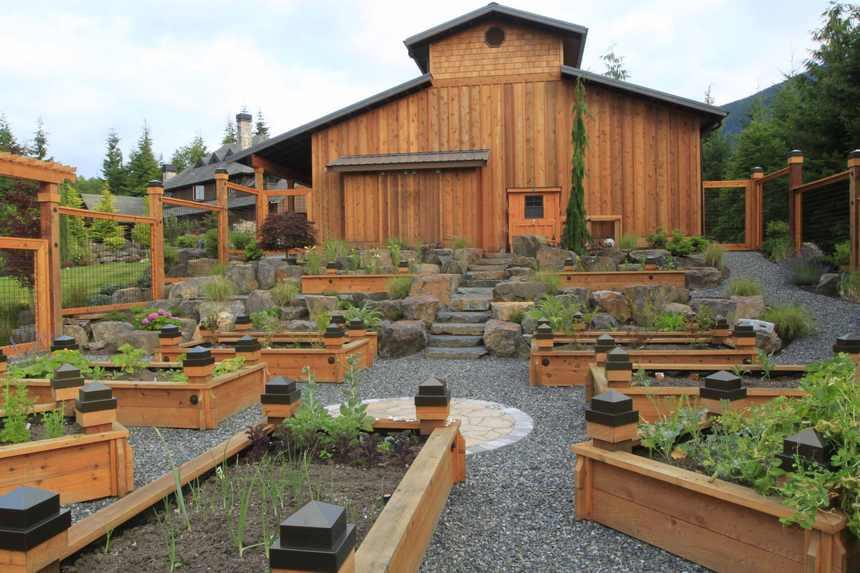 raised garden bed ideas 4