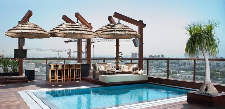 rooftop pool (1)