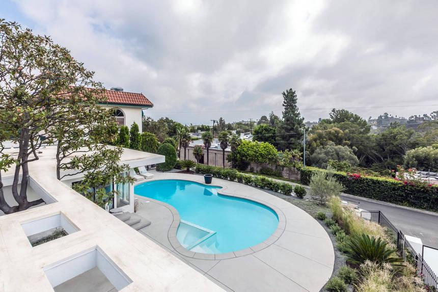 rooftop pool (16)