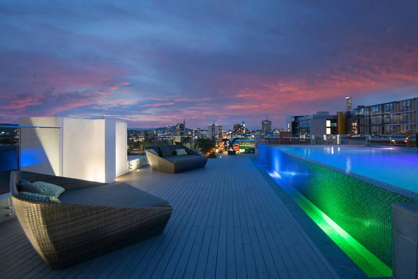 rooftop pool (20)