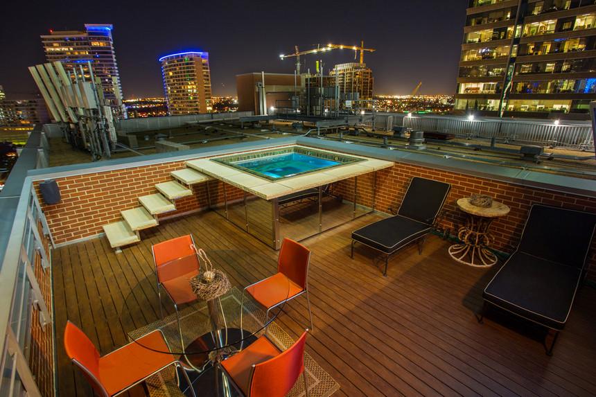 rooftop pool (23)