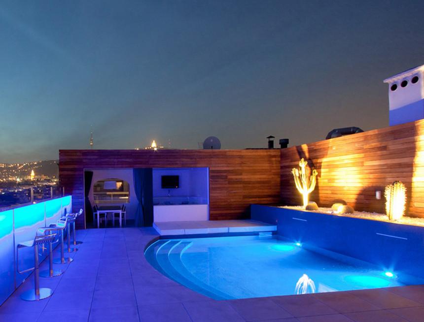 rooftop pool (28)