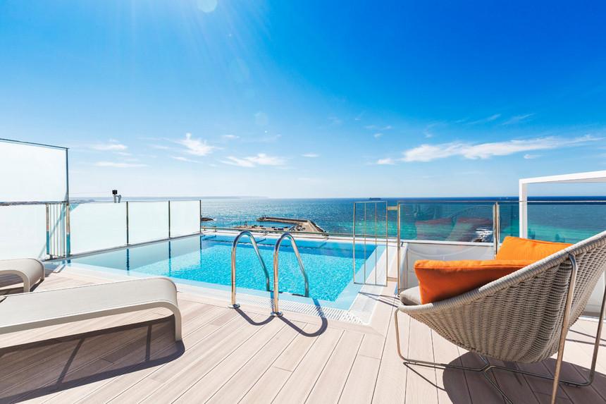 rooftop pool (30)