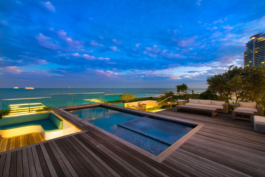 rooftop pool (31)