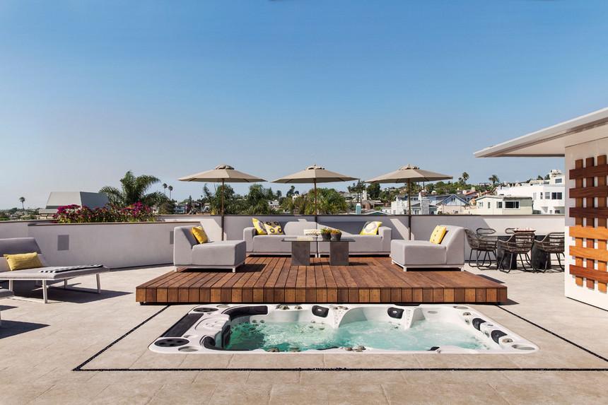 rooftop pool (32)