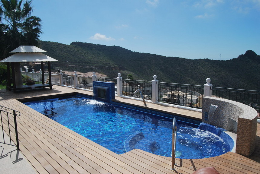 rooftop pool (39)