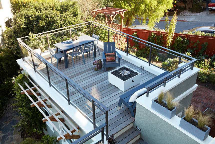 Rooftop Deck with a Fire Pit (11)