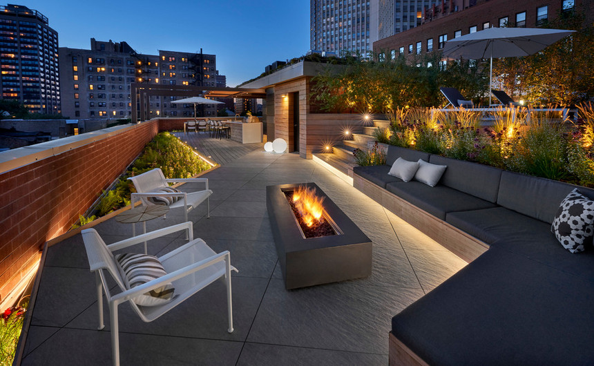 Rooftop Deck with a Fire Pit (15)
