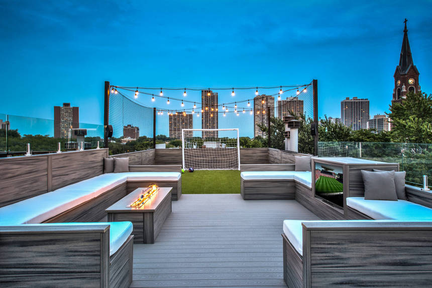 Rooftop Deck with a Fire Pit (16)
