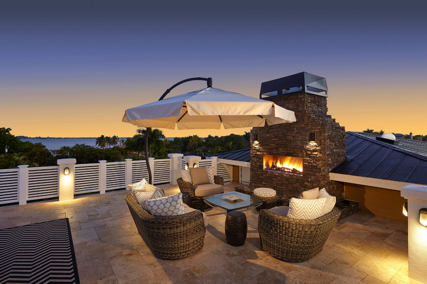 Rooftop Deck with a Fire Pit (18)