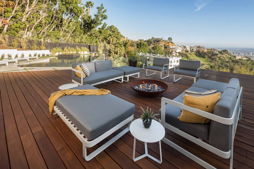 Rooftop Deck with a Fire Pit (4)
