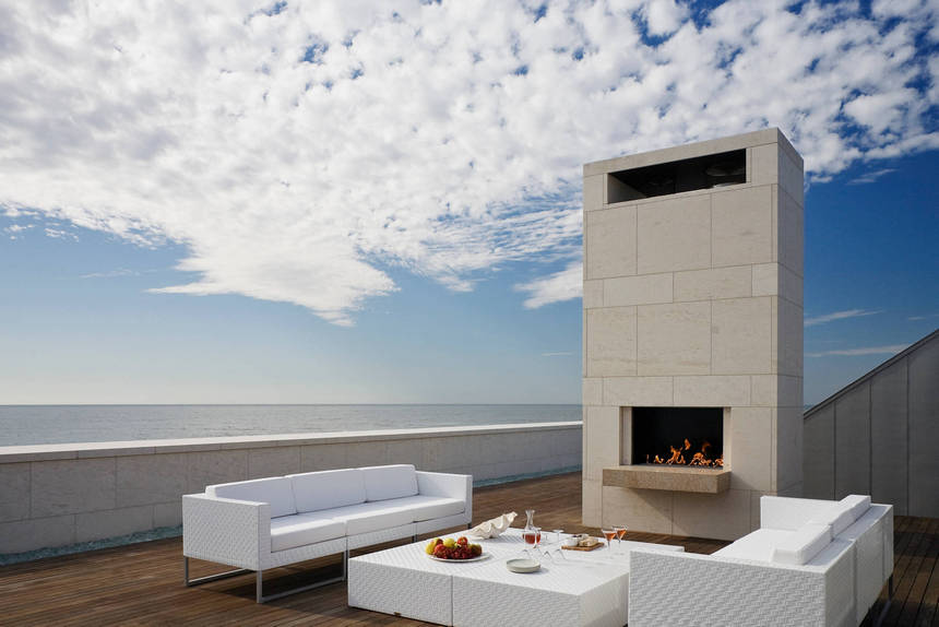 Rooftop Deck with a Fire Pit (6)