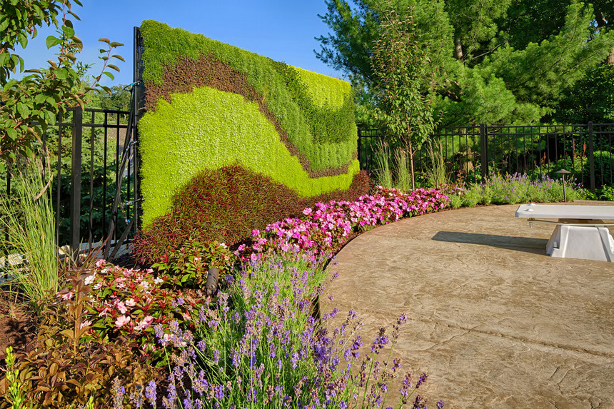 Vertical Garden Designs (14)