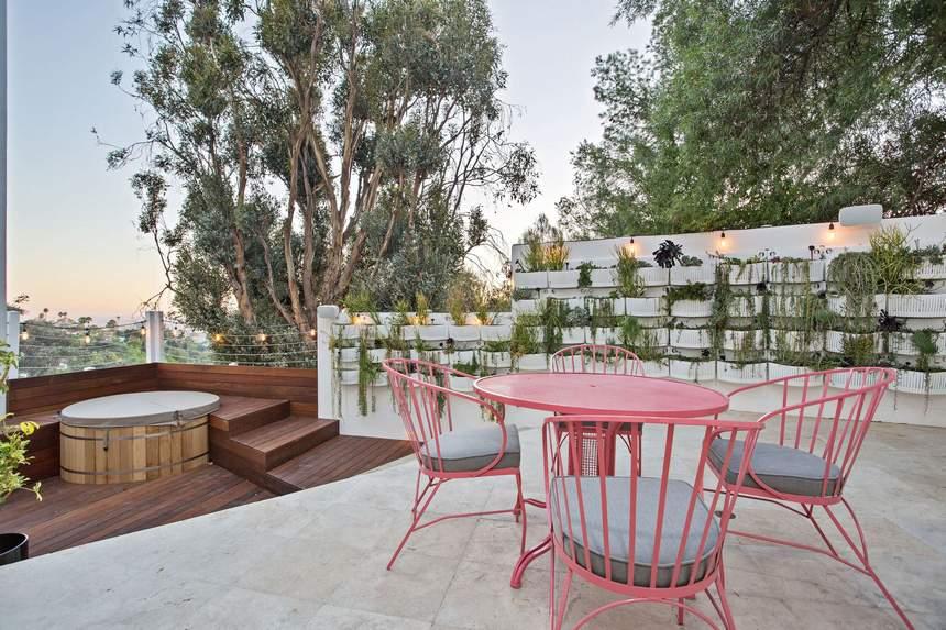 Vertical Garden Designs (20)