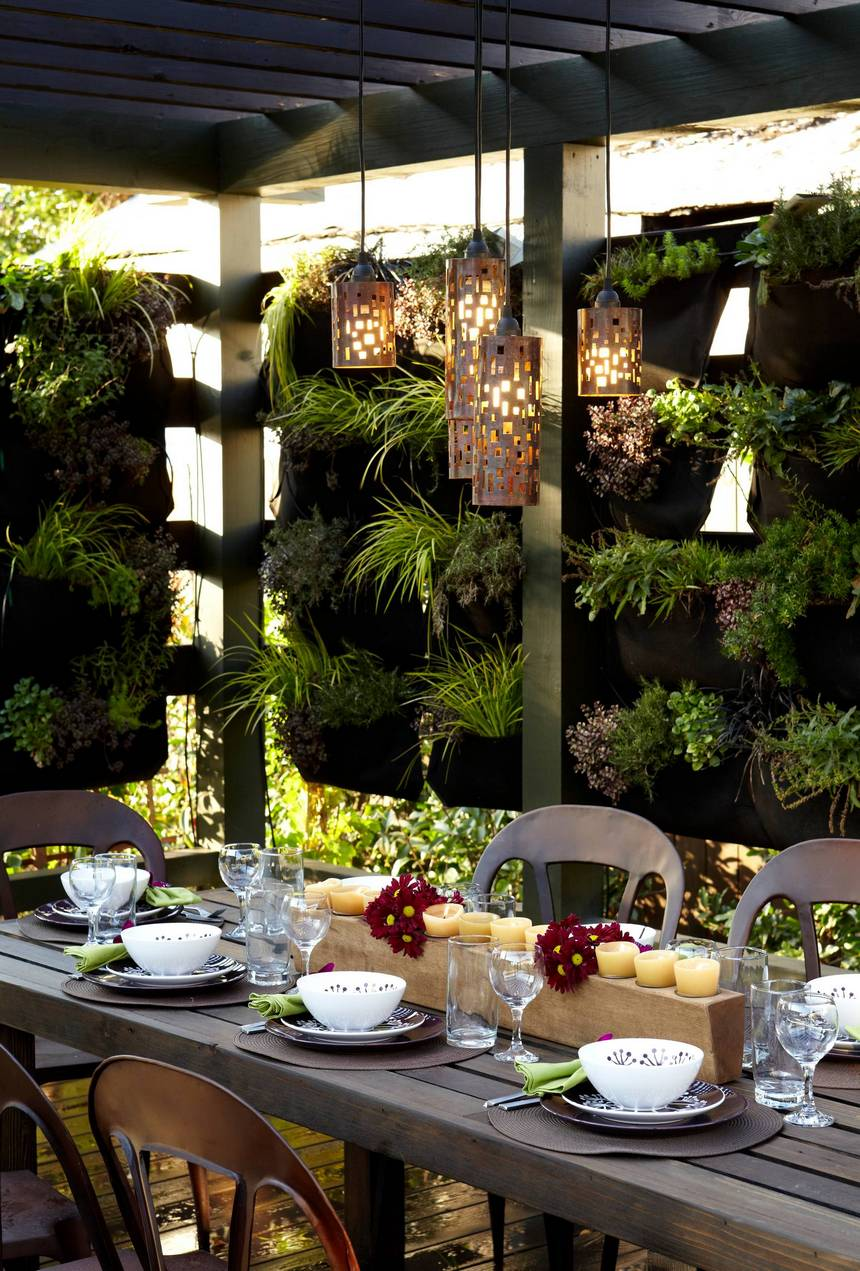 Vertical Garden Designs (32)