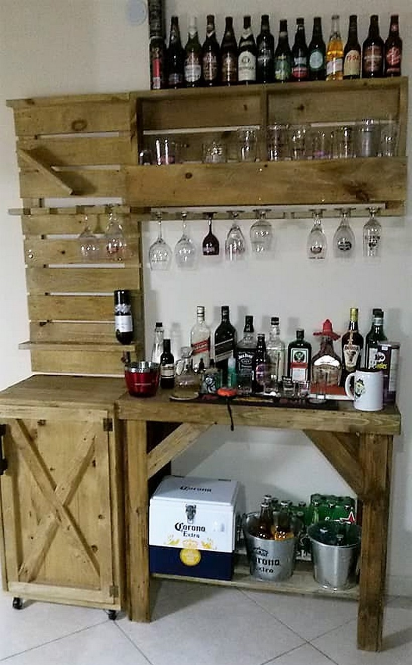 recycled pallets wooden wall bar